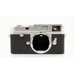 Leica Camera M2 button (Silver)