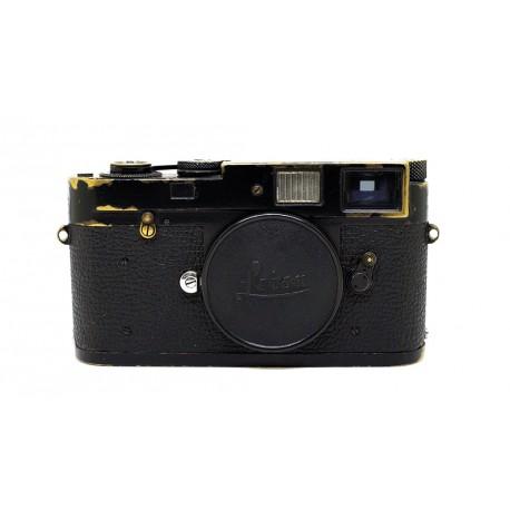 leica m2 black paint camera meteor