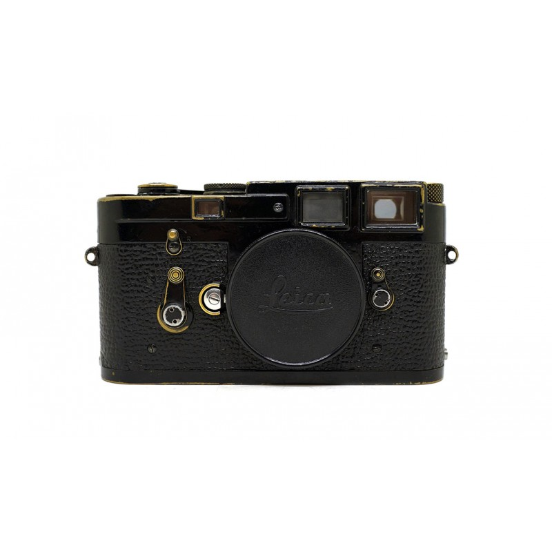 dating leica m3 Leica m2 by karen nakamura overview and personal comments when it was released in 1954, the leica m3 was received with widespread acclaim it was clearly the best 35mm camera in its class with a superior rangefinder that had bright automatically switching framelines.