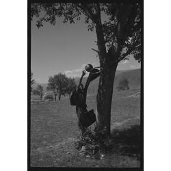 楊延康 (Yang Yankang)作品 - 21玩篮球的僧人 四川2011