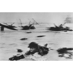 Magnum square print: D-Day and the Omaha Beach Landings - Robert Capa