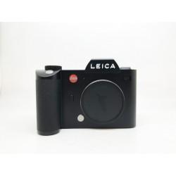 Leica SL-System Camera With Vaio-Elmarit-SL 24-90mm/f2.8-4 ASPH Lens