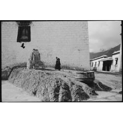 楊延康 (Yang Yankang)作品 - 煨桑的僧人