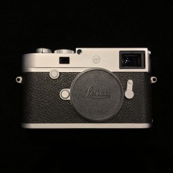 Leica M10-P Digital Rangefinder Camera (Silver Chrome) (Display)