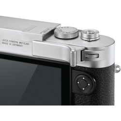 Leica M10 Thumb Support (Silver) 24015 (thumb up)