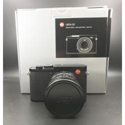 Leica Q2 Digital Camera Black Paint Finish (19050)